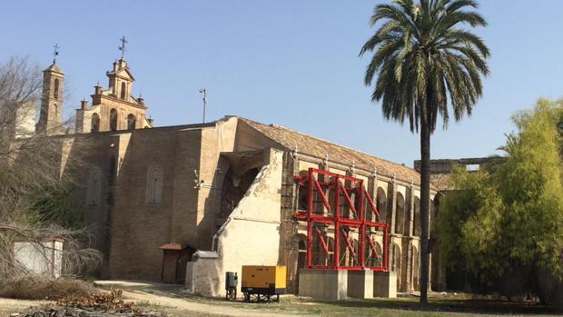 Exterior del monasterio de San Isidoro del Campo, en Santiponce