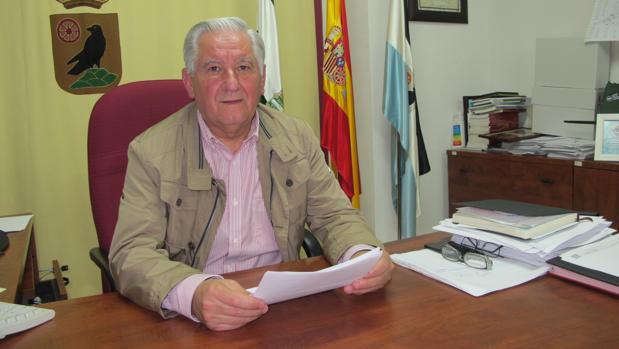 Francisco Cordero ha respondido a las críticas de sus delgados desde el despacho de la Alcaldía