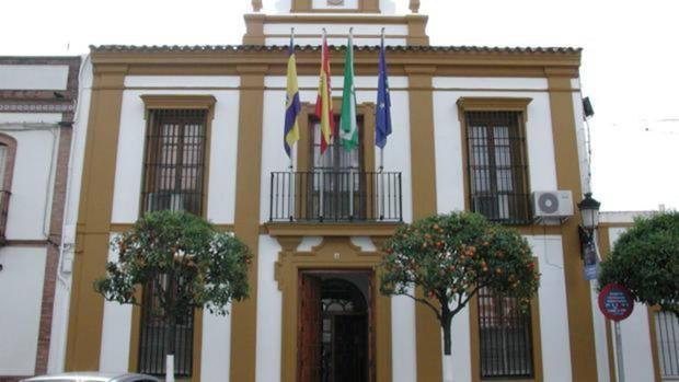 Fachada del Ayuntamiento del municipio aljarafeño de Gines
