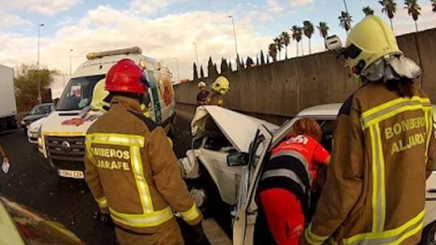Los bomberos del Aljarafe cubren la comarca más poblada de la provincia de Sevilla