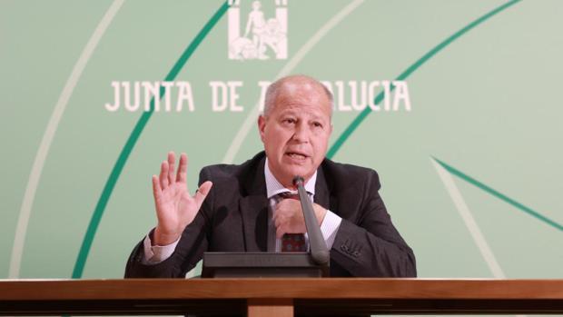 El consejero Javier Imbroda ha afirmado que actuarán conforme resuelva la inspección educativa