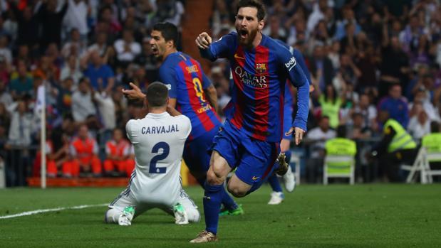 b04fc9ff7a Real Madrid Messi celebra el gol de la victoria en el clásico Real Madrid- Barcelona