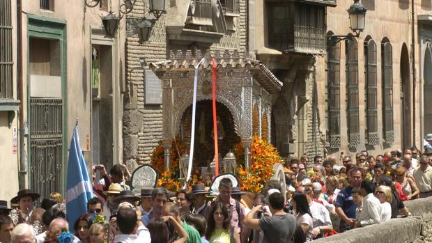 Carreta del simpecado de la hermandad de Granada