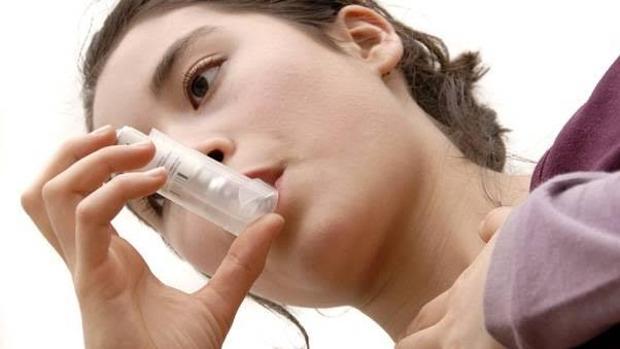 El asma es dos veces más frecuente en mujeres adultas que en varones