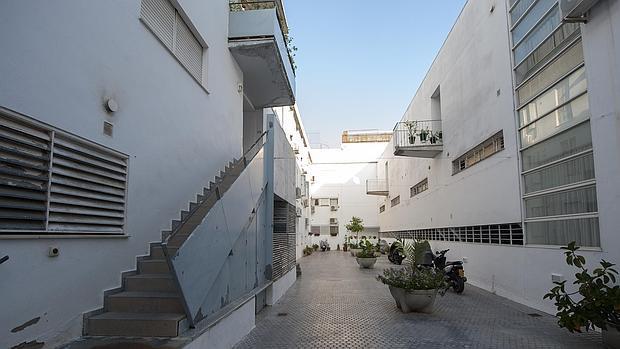 La junta s lo ha vendido 41 de las viviendas en for Alquiler de viviendas en sevilla particulares