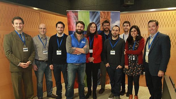 Teresa Sáez con los jóvenes empresarios
