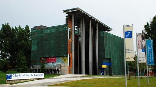 En Gijón, el Pabellón de Asturias es ahora la sede central del Museo del Pueblo Asturiano