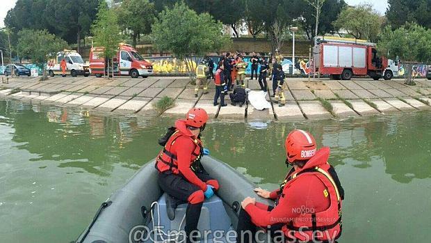El cadáver de un varón ha sido recuperado en las cercanías del puente de la Barqueta