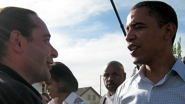 Matías Trejo saluda a Obama, al que ayudó con el voto latino durante su campaña electoral