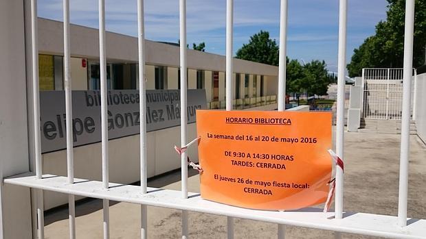 Este es el aviso que la biblioteca da a los usuarios: del 16 al 20 de mayo, cerrada por las tardes