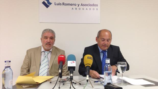 Rigoberto Artiles, a la izquierda, junto a Luis Romero, durante la rueda de prensa