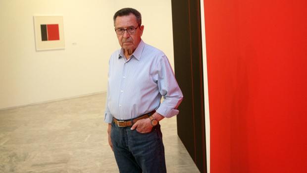 Pepe Soto, en resentacion de la exposicion Campos de color