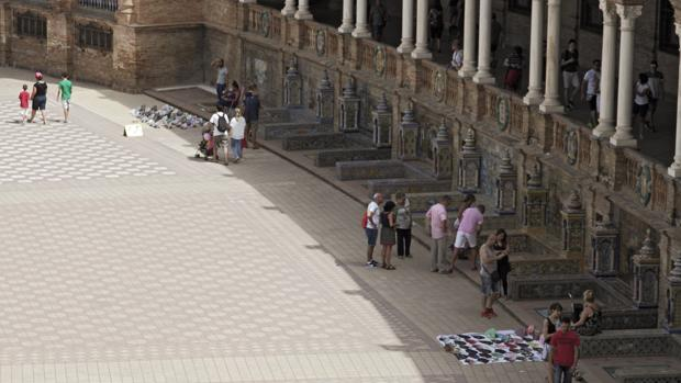 La Plaza de España  el nuevo mercadillo de Sevilla 60e41b12107