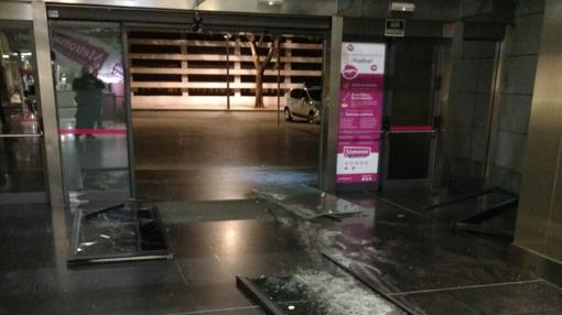 V deo asaltan el centro comercial metromar usando un - Spa en mairena del aljarafe ...