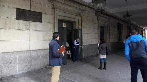 A prisi n un joven de 20 a os por una violaci n cometida for Juzgados viapol sevilla