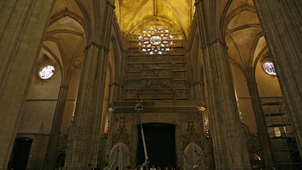 Patrimonio aprueba los proyectos para restaurar otras tres vidrieras de la catedral de sevilla - Catedral de sevilla interior ...