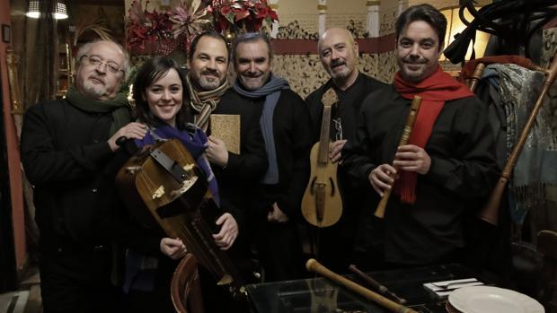 El grupo de música antigua Artefactum ha ofrecido un concierto en la Antigua Abacería de San Lorenzo