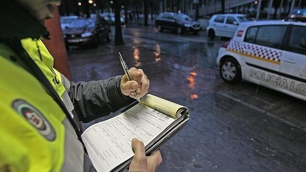 El juez advierte que el boletín de denuncia no es suficiente para sancionar a un conductor que recurre