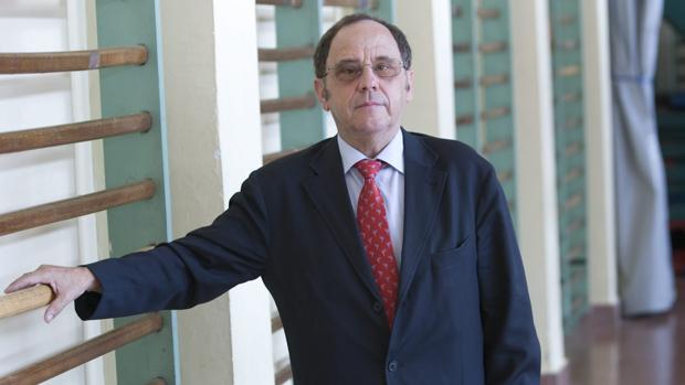 El catedrático condenado por abusar de dos profesoras y una becaria