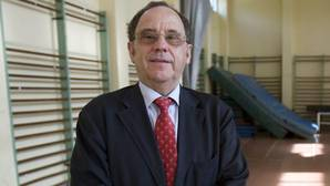 La Universidad de Sevilla suspende al catedrático condenado por abusos