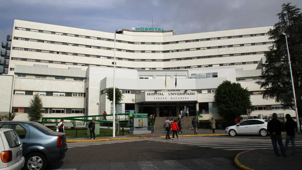 Fachada del hospital Virgen Macarena de Sevilla