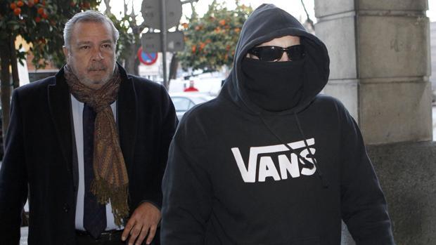 El Cuco y sus padres esquivan al juez ante la presión popular y mediática