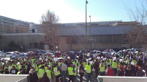 Protestas este lunes ante la Jefatura Provincial de Tráfico de Sevilla