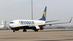 Un avión de Ryanair durante el vuelo inauigural a Berlín