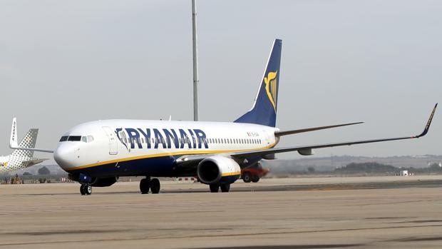 La compañera aérea Ryanair ofrecerá 15 nuevas rutas desde el aeropuerto sevillano de San Pablo