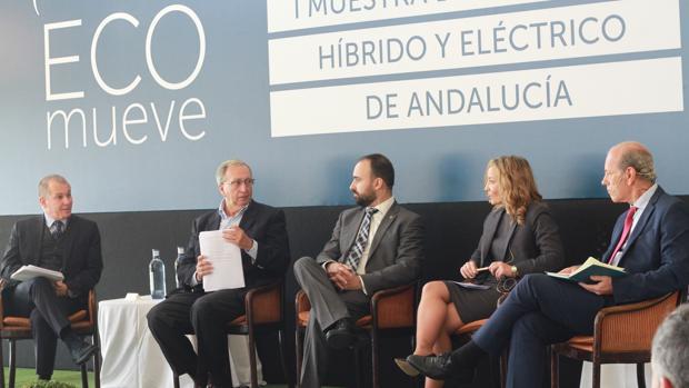 Coloquio del I muestra del vehículo híbrido y eléctrico de Andalucía