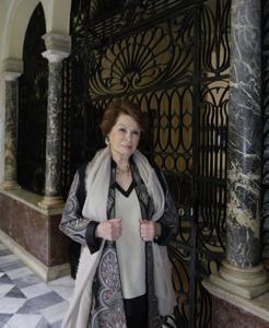 Marta Pastega, en el palacio del conde de Casa Galindo