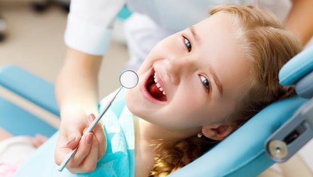 Los niños deben ir a la revisión del dentista cada año