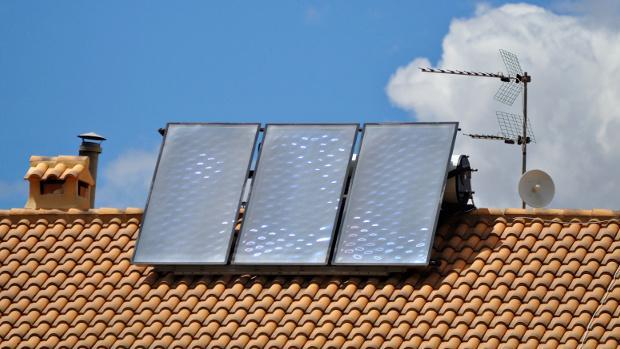 Ahorre en sus facturas instalando placas solares en - Placas solares en sevilla ...