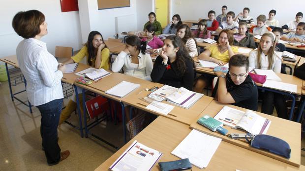 Los titulados en Periodismo no podrán seguir dando clases en Andalucía