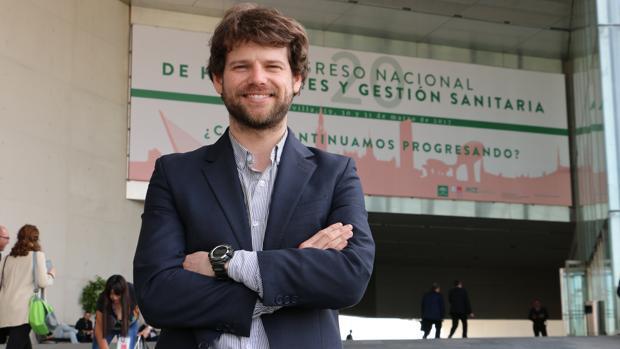 Ignacio Hernández Medrano, neurólogo del Hospital Ramón y Cajal