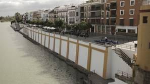 El conjunto cerámico creado para la zapata de la calle Betis tuvo un coste de más de 180.000 euros