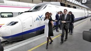 Mariano Rajoy y Susana Díaz, este viernes en la estación de Santa Justa