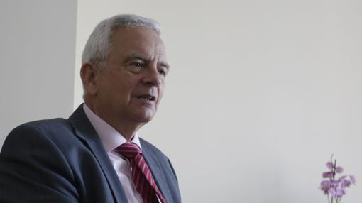 Desde 1986 hasta 2016, Manuel Cornax ha dirigido el hotel Lar de Sevilla