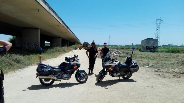 La Policía rastrea una zona de unos 1.400 metros cuadrados junto al tanatorio de Camas