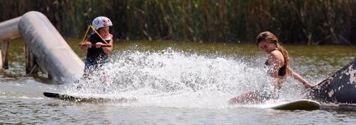 El wakeboard atrae a personas desde los 4 o 5 años hasta los 60 años