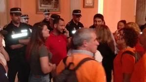 Participa Sevilla le da un aviso a Espadas tras el desalojo