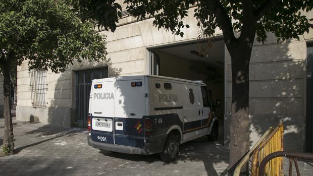 Fallece el bebé ingresado en Sevilla por presuntos malos tratos de sus padres