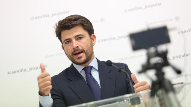 Beltrán Pérez, en una reciente rueda de prensa en el Ayuntamiento
