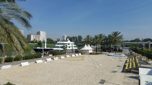 Las instalaciones deportivas de «Sevilla Beach»