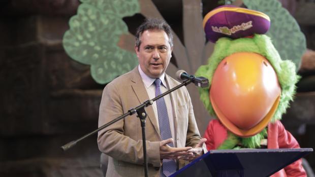 El alcalde, Juan Espadas, ayer en los actos del XX aniversario de Isla Mágica