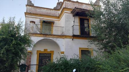 Fachada de Villa Encarnita