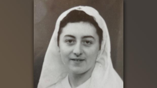 Claudia cuando era enfermera de Cruz Roja durante la II Guerra Mundial