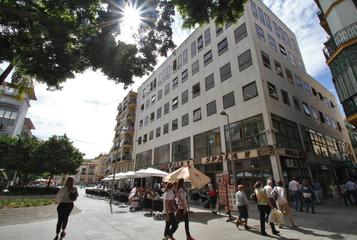 sacyr pone en alquiler el edificio de hacienda de la ForOficinas De Hacienda En Sevilla