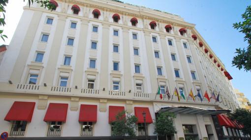 Fachada del Hotel Colón