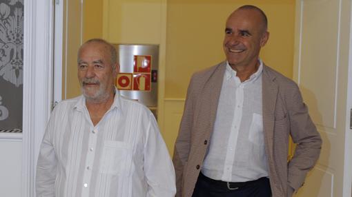 El director de la Bienal de Flamenco 2018 junto al concejal delegado de Cultura, Antonio Muñoz